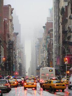 Een zomerse regenbui in New York City!