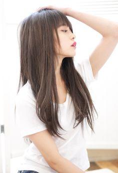 カラーでイメチェン!イルミナカラー グレージュs-256 | 自由が丘・学芸大学・中目黒の美容室 ALICe by afloatのヘアスタイル | Rasysa(らしさ) Lob Hairstyle, Hairstyles With Bangs, Girl Hairstyles, Lady Lockenlicht, Beige Hair Color, Hear Style, Lady Lovely Locks, Asian Hair, About Hair