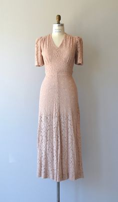 Vintage 1930s pale dusty pink bias cut lace dress with gathered shoulders…