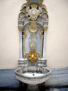 Diy Garden Fountains, Diy Fountain, Modern Fountain, Cabinet Paint Colors, Royal Art, Flower Wall Backdrop, Ottoman Empire, Miniature Fairy Gardens, Painting Cabinets