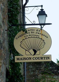 Des enseignes à Locronan   by Chti-breton
