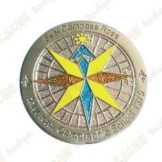 Ce géocoin est vendu dans son écrin.Ce géocoin est trackable sur www.geocaching.com.Dimensions :Diamètre : 4,5 cmEpaisseur : 0,3 cm