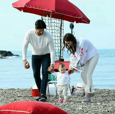 Discovered by ♡ Wanjicaa ♡. Find images and videos about kara sevda, neslihan atagül and burak özçivit on We Heart It - the app to get lost in what you love. Cute Kids Photography, Family Photography, Cute Family, Family Goals, Couples Images, Cute Couples, Distance Love Quotes, Famous In Love, Burak Ozcivit