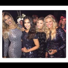 We love how the fab 4 beauties wearing Dress the Population, the top-rated clothing brand for @therealpriceisright ✨👗@mrsgwenniesmith @manuelaarbelaez @amberlancaster007 @rachel1reynolds #dressthepopulation #priceisright #womancrushwednesday #wcw
