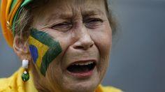 Copa 2014: torcedores 'choram' goleada da Alemanha sobre o Brasil
