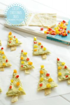 {NEW} CRISPY CHEESY CHRISTMAS TRESS: Who knew Christmas treats could be so nutritious, full of veggies and fun for fussy eaters too?! #onehandedcooks
