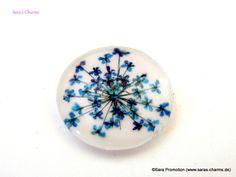 1 Cabochon echte Blume blau 25 mm von Sara´s Material Shop auf DaWanda.com