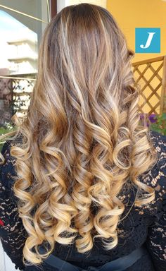 Big Curls For Long Hair, Long Curls, Long Layered Hair, Love Hair, Great Hair, Gorgeous Hair, Permed Hairstyles, Pretty Hairstyles, Balayage Hair Blonde