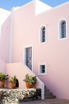 Vedema Resort Santorini - Peony Lim, because it's Greece on every bucket list? Places Around The World, Oh The Places You'll Go, Places To Travel, Around The Worlds, Peony Lim, Pintura Exterior, Pink Houses, We Are The World, Hotels