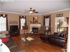 Beautiful hardwoods in Great Room! http://teleaengland.kwrealty.com/listing/mlsid/21/propertyid/549318/  $169,900