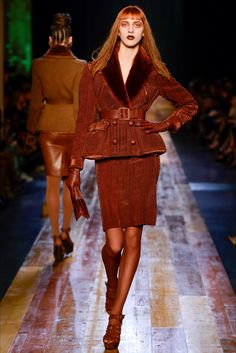 Sfilata Jean Paul Gaultier Parigi - Alta Moda Autunno-Inverno 2016-17 - Vogue