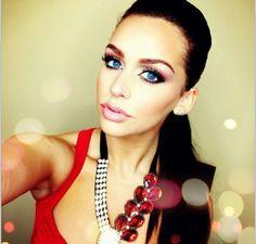 Cute way to apply red eyeshadow! One of my fav youtube beauty guru.