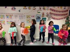 Looking for fun hand clapping games? This list has them all! Awesome hand clap games to teach your children, students or camp attendees. Just Dance Kids, Music For Kids, Kids Songs, Games For Kids, Learning Activities, Kids Learning, Learning Piano, Hand Clapping Games, Playroom Mural
