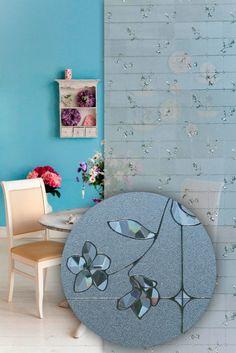 Aufwendige Vinyl-Tapete mit spannendem Spiegel Detail / Elaborate vinyl wallpaper with an exciting mirror detail | Linea Hogar  | Heimtextil 2016 | TOP FAIR Blog