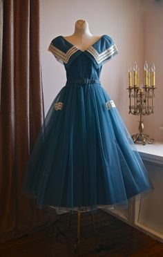 Dress // Vintage Alice In Wonderland Blue Tulle Party Dress Size Small 50s Dresses, Pretty Dresses, Vintage Dresses, Beautiful Dresses, Vintage Outfits, Fashion Dresses, 1950s Fashion, Vintage Fashion, 1950s Style