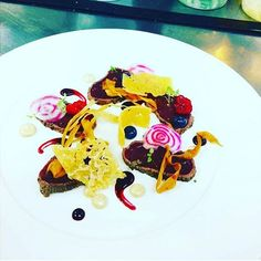 One of my favourite plates. #Venison #Carpaccio with #blackberrygastrique #emulsion #gin scented #aioli #parsnip chips #parmigianoregiano crisps and #juniper macerated berries #whatimade #theartofplating #bistro101 #platesbyholly #vancouverfoodies #604 #beautifulfood by platesbyholly