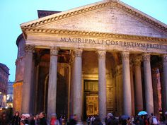 My most favorite place in Rome, it holds a special place in my heart //Pantheon // Rome, Italy
