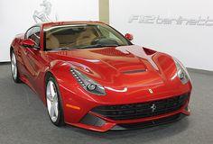WEB LUXO - Carros de Luxo: Ferrari F12berlinetta chega ao Brasil com preço de R$ 2,9 milhões