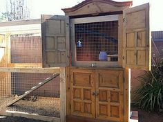 Raising chickens has gained a lot of popularity over the past few years. If you take proper care of your chickens, you will have fresh eggs regularly. You need a chicken coop to raise chickens properly. Use these chicken coop essentials so that you can. Urban Chicken Coop, Backyard Chicken Coop Plans, Chicken Coop Pallets, Cheap Chicken Coops, Chicken Coup, Building A Chicken Coop, Chickens Backyard, Chicken Roost, Chicken Pen