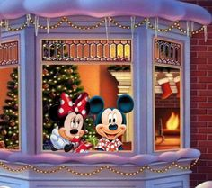 Christmas time for Mickey and Minnie Mouse Merry Christmas Minions, Mickey Mouse Christmas, Mickey Mouse And Friends, Christmas Art, Minnie Mouse Pictures, Disney Pictures, Disney Magic, Walt Disney, Disney Micky Maus