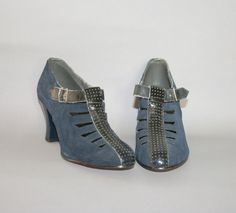 1930s Cut Out OXFORDS / Unworn Perforated Navy by lolanyevintage, $125.00