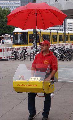 Le street food est littéralement florissant à Berlin. À tous les coins de rue, on trouve des imbiss, le mot allemand pour casse-croûte.
