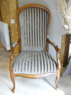 1000 images about fauteuil voltaire on pinterest barrel for Chaise voltaire