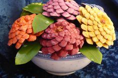 Found this idea on Pinterest..painting pine cones to look like Zinnias. I added leaves (canvas) and fake water drops Crafts For Seniors, Crafts To Do, Home Crafts, Diy Crafts, Pine Cone Art, Pine Cone Crafts, Pine Cones, Christmas Pasta, Cute Christmas Gifts