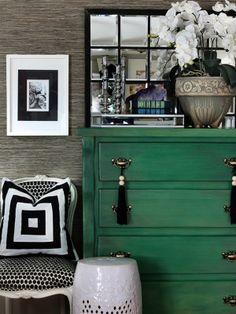 Old dresser turned green dresser + grasscloth wallpaper. I want a green dresser! Home Design, Design Hotel, Design Design, Design Ideas, Graphic Design, Painted Furniture, Diy Furniture, Green Furniture, Green Dresser