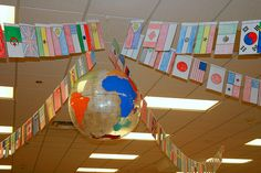 Bunches and Bits: Blame it on the Book Fair These decorations could work well for a geography fair too.