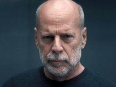 Bruce Willis in Glass Bruce Willis, Hairy Men, Bearded Men, Bald Head With Beard, Bald Men Style, Celebridades Fashion, Goatee Beard, Grey Beards, Bald Hair