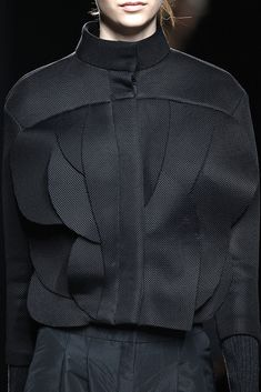 Innovative Pattern Cutting - black jacket with overlapping curved panels; fashion detail // Amaya Arzuaga F/W 2015 Cute Skirt Outfits, Cute Skirts, Fashion Art, Fashion Outfits, Womens Fashion, Fashion Design, Fashion Trends, Textile Manipulation, Geometric Fashion