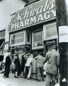 Historic Photograph of Schwab's Drug Store hangout for actors
