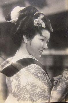 Hideko Takamine 高峰秀子 (1924 - 2010)
