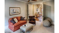 Guest suite on the upper floor
