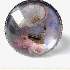 bague rétro vintage   http://www.alittlemarket.com/boutique/delicate_attention-694727.html