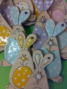Air dry clay bunnies for Easter - so cute! Air dry clay bunnies for Easter - so cute! Clay Projects, Clay Crafts, Diy And Crafts, Crafts For Kids, Clay Ornaments, How To Make Ornaments, Easter Crafts, Christmas Crafts, Salt Dough Crafts