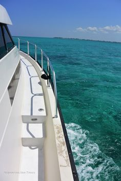 Excursion in Grand Cayman - anchors away!