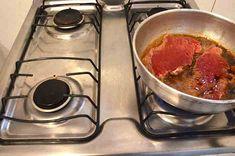 Para fritar sem pipocar óleo! Evita sujeira e de quebra o bife fica mais dourado e apetitoso.