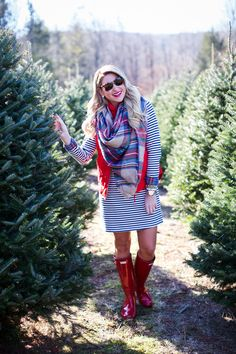 What to wear to the Christmas Tree Farm Fall Family Pictures, Family Photos, New Halloween Costumes, Hunter Outfit, Adventure Outfit, Family Photo Outfits, Christmas Tree Farm, Cute Outfits For School, Summer Dress Outfits