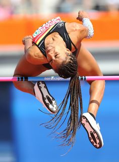 Nafissatou Thiam of Belgium competes in the Qualification Round of the Women's High Jump during day one of The European Athletics Championships at Olympic Stadium on July 2016 in Amsterdam, Netherlands. Anatomy Reference, Pose Reference, Foto Sport, Female Surfers, Anatomy Poses, Pole Vault, Human Poses, Cool Poses, Dynamic Poses