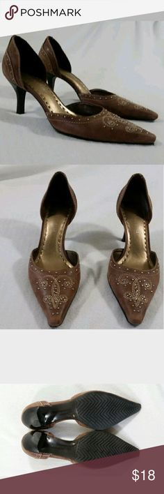 Gianni Bini Brown Leather Studded D'Orsay Heels 6 GORGEOUS Gianni Bini Brown Leather D'Orsay Pumps  Studded and embroidered  Distressed look - gently used - see photos  Adorable to wear to the office, for a night out or special occasions!  Women's size 6M  Smoke free, pet friendly Gianni Bini Shoes Heels