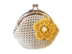 Crochet beige coin purse with gold yellow flower, silver tone kiss clasp, metal frame Vintage Clutch, Little Bag, New Bag, Sell On Etsy, Clutch Wallet, Yellow Flowers, Women Accessories, Beige, Crochet Bags