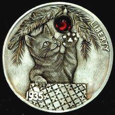 HOWARD THOMAS HOBO NICKEL - CHRISTMAS MAGIC (W/GARNET) - 1935 BUFFALO NICKEL Magic Cat, Hobo Nickel, Coin Art, Old Coins, Christmas Cats, Coin Collecting, Metal Art, Sculpture Art, Liberty