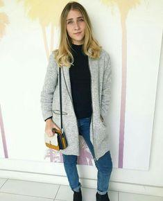Olga Vives, Sweaters, Fashion, Moda, Fashion Styles, Sweater, Fashion Illustrations, Sweatshirts, Shirts