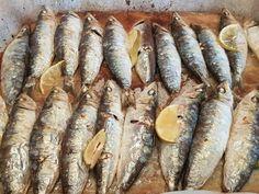 Fish, Vegetables, Patio, Dinner, Wings, Easy Food Recipes, Deserts, Clean Eating Meals, Beverage