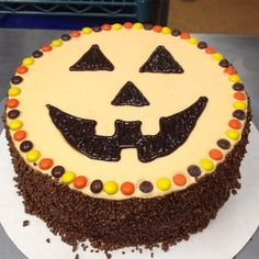"""@16handles's photo: """"Well, isn't this the cutest #Halloween #froyo cake you ever did see? That's how you #TrickYoTreat! [Photo & Cake Decorating Cred: @jennasmity from @16handlescliftonpark]"""""""