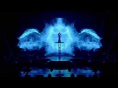 SARAH BRIGHTMAN: DREAMCHASER IN CONCERT | August 2013 on PBS Watching on GPB and stealing so many staging ideas!