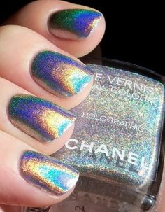 Hologram nails, chanel Want it!