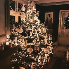❤️#christmastree #christmas #christmastime #christmasdecor #christmas interior #rivieramaison #henkrm #F4F #christmas #followback
